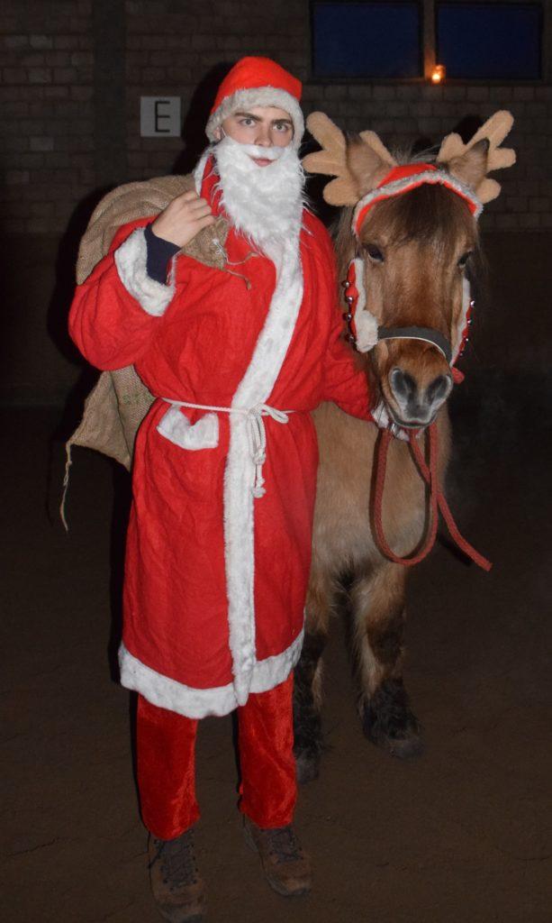Weihnachtsreiten